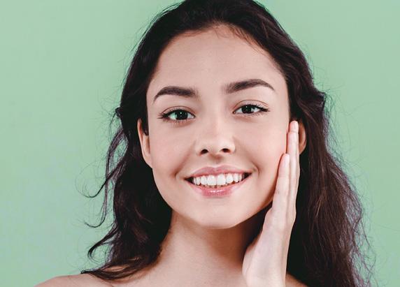 Girl is smiling - Ethicos Institute