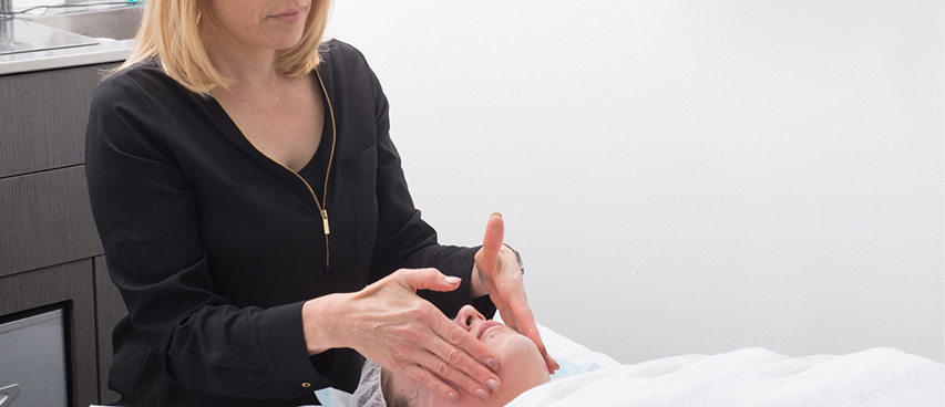 Facial massage - Ethicos Institute